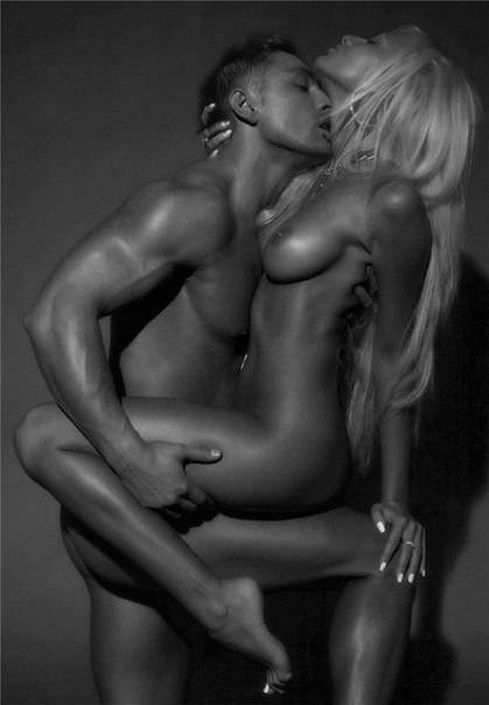 Free Male And Female Erotic Photos